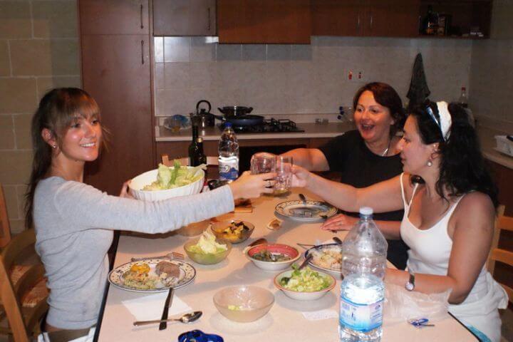 Vivir con familia - Comparte tu día a día con tu host family al estilo maltés
