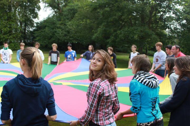 Acividades extraescolares - Programa sociocultural variado con actividades extraescolares y excursiones dentro y fuera de Edinburgo.