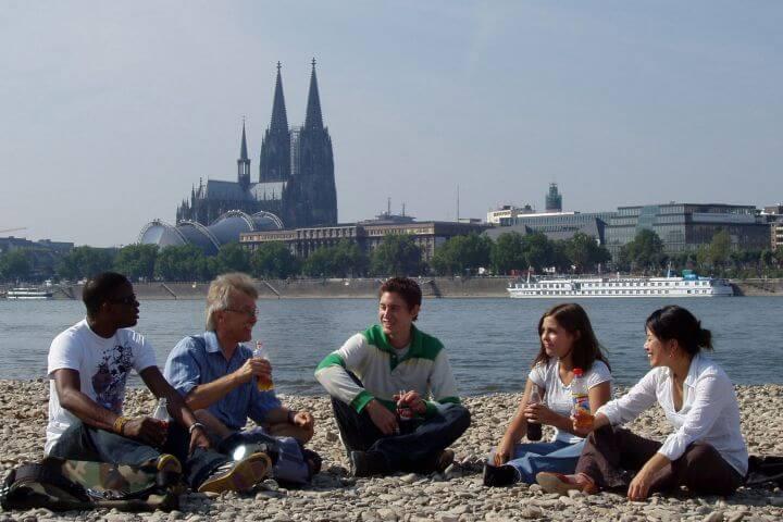 Practicar el idioma con tus compañeros fuera del aula - Colonia- curso de alemán