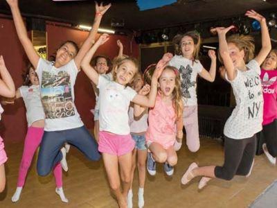 Programa de Danza - Expresarse en danza y practicar el inglés
