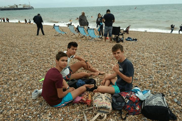 Summercamp completo - Clases de inglés, actividades por las tardes y noches y excursiones a lugares como Brighton