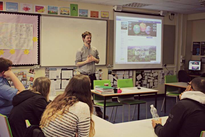 Curso de inglés en Chichester - Aulas equipadas con recursos multimedia