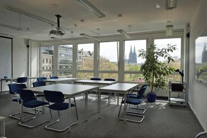 Instalaciones de la escuela amplias y espaciosas - Curso de alemán en Colonia, Alemania