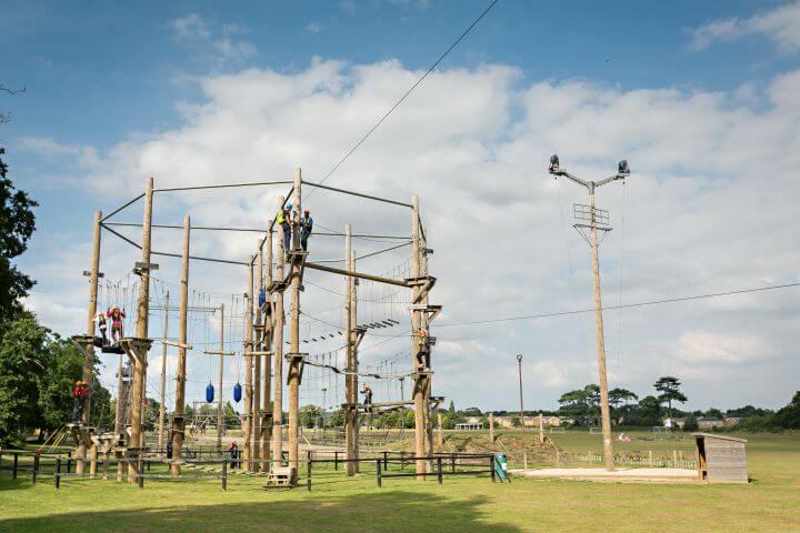 Parque de aventuras - Instalaciones outdoor para las actividades de aventura