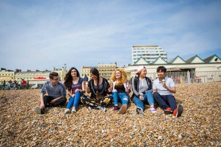 Programa sociocultural variado - Excursiones dentro y fuera de Brighton