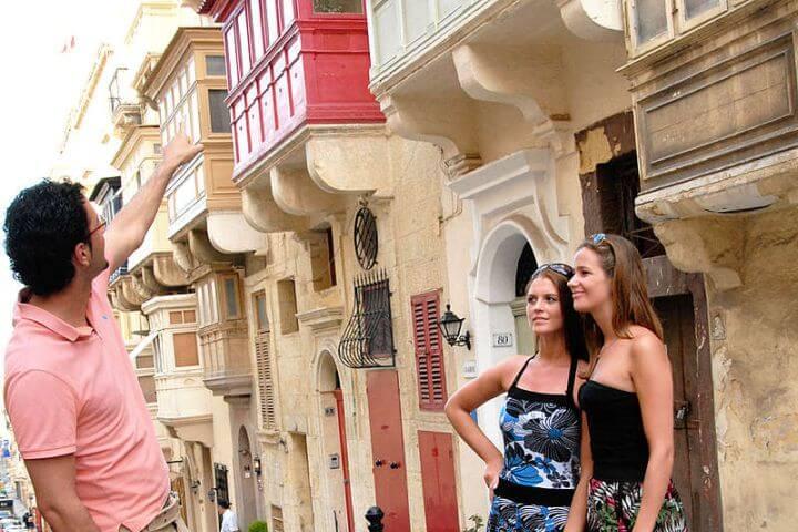 Cursos de inglés de todos los niveles - Estudia un curso de inglés en Malta en una clase con un número de alumnos reducido y un nivel simialr al tuyo