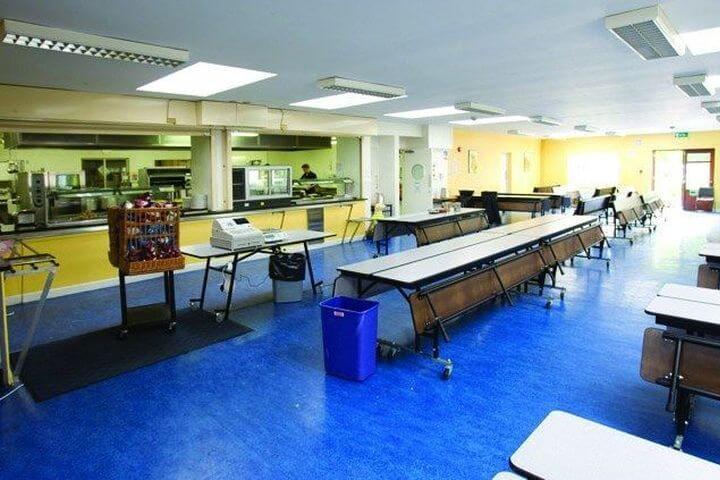 Comedor dónde los jóvenes realizarán sus comidas - Rathdown College, Dublin