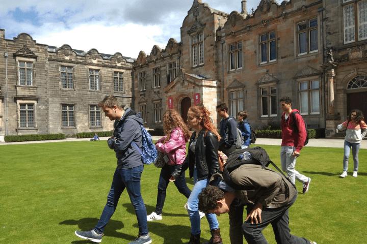Inmersión lingüística - Verdadera inmersión lingüística en Edimburgo en clases de inglés con alumnos de todo el mundo
