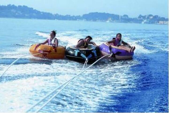 Actividades lúdicas en la playa - Hay muchas actividades para hacer en Niza.