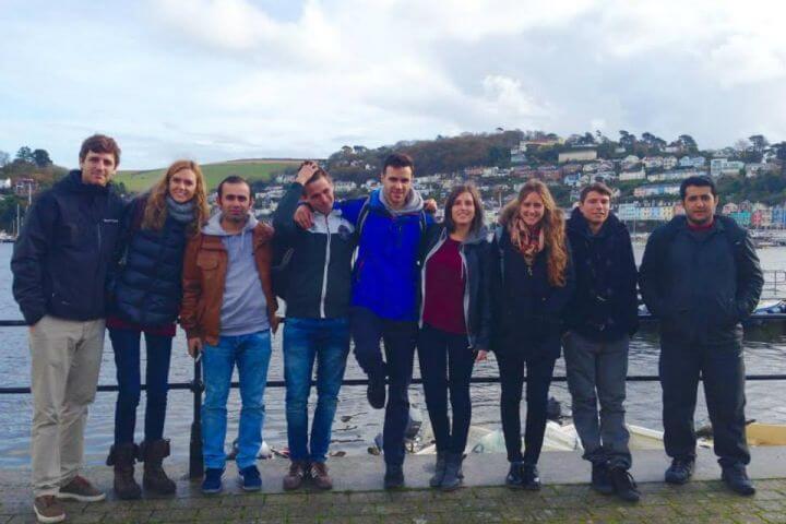 Pasar un tiempo fenomenal con otros estudiantes - Skola Exeter