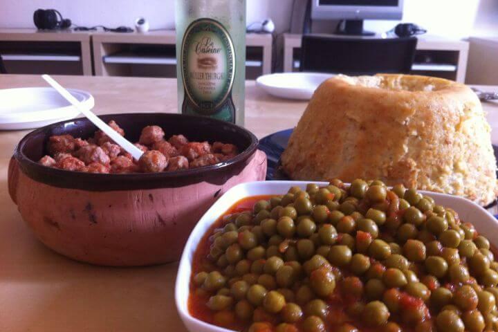 La gastronomía es otro atractivo de Bolonia e Italia. - Puedes disfrutar de un curso de italiano saboreando buenos productos del país.