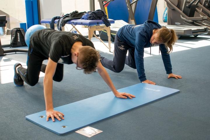 Preparación física en el gimnasio -