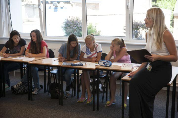 Curso de inglés con programa de actividades  - 20 lecciones de curso de inglés a la semana