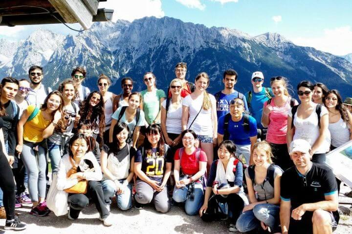 Conoce Alemania - Estudia alemán por las mañanas y visita Berlín por las tardes. Además, esta escuela organiza excursiones de un día para que puedas conocer Alemania: Nürenberg, Düsseldorf, etc.