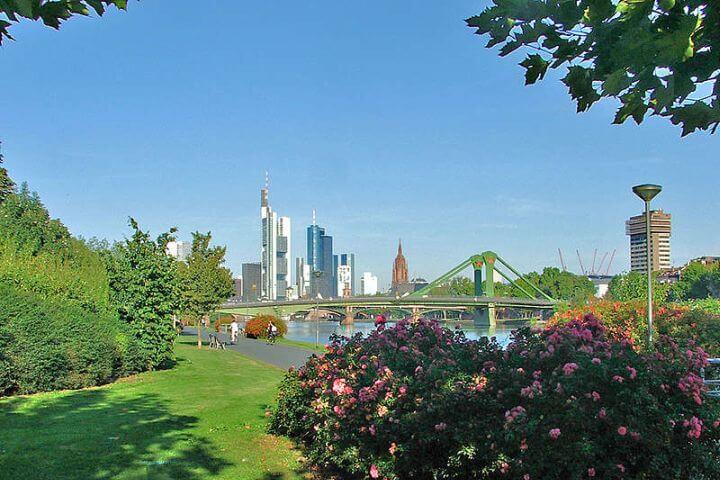 Descubrir la bonita ciudad de Frankfurt - Conocer más de la ciudad alemana.