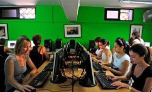 Sala Ordenadores con Espacio de Ocio - Escuela Chamber College en Malta