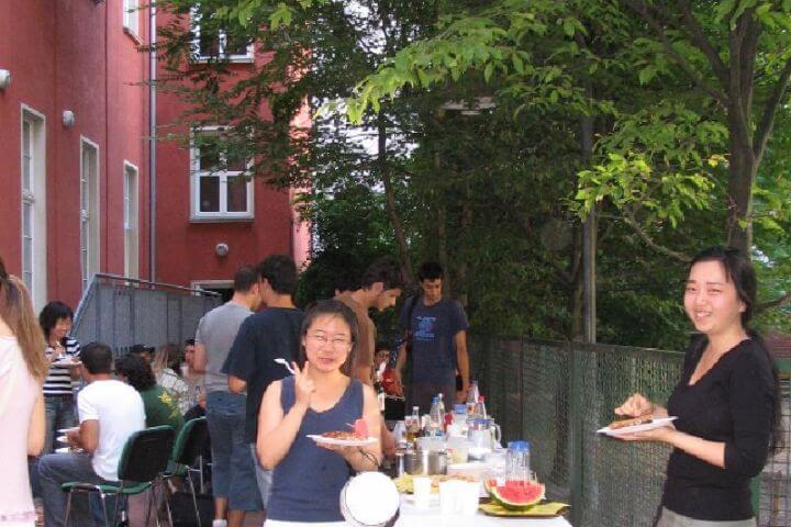 Eventos para los alumnos - La escuela organiza cenas, fiestas y otros eventos para que practiques inglés fuera del aula