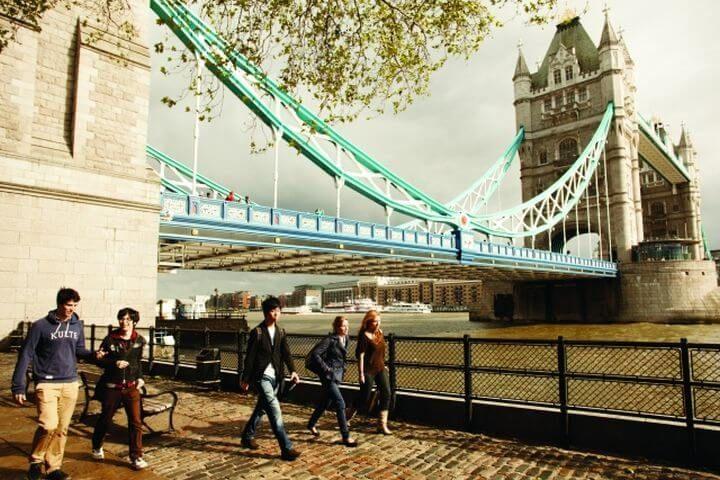 Programa sociocultural variado - London Bridge, Camden Town, Portobello Market, etc.