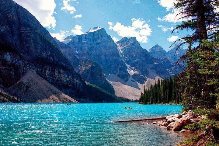 Conoce Canadá mientras estudias inglés - Viaja por el país de los lagos y cascadas