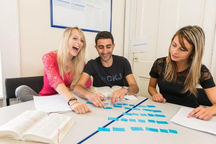 Más que clases de inglés - Una de las mejores escuelas de inglés de Escocia