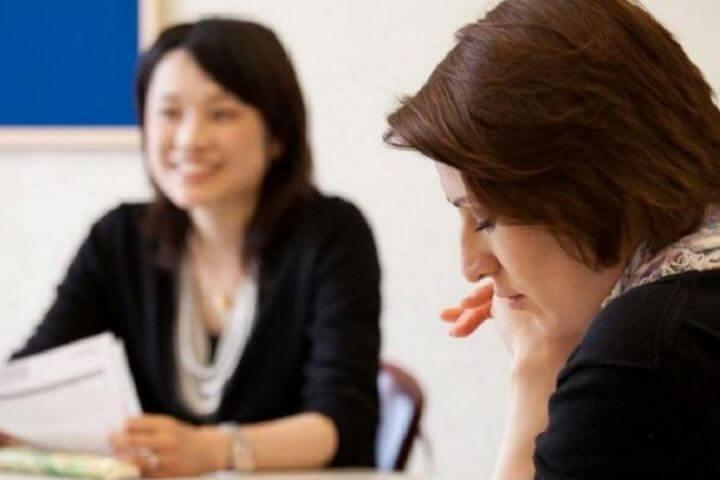 Cursos de inglés en grupos reducidos. - Máximo 6 alumnos por aula.