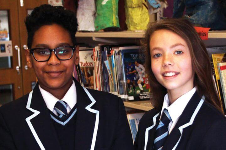 Jóvenes Británicos compartirán contigo las aulas - Un compañero (peer) local te ayudará durante tu estancia