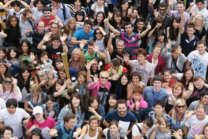 Jóvenes británicos y de todo el mundo - College internacional