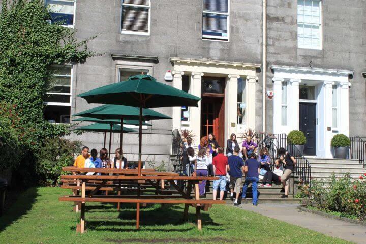 Escuela en Edimburgo - Estudia inglés en una escuela en el centro de Edimburgo