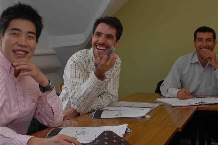 Grupos reducidos - Máximo 12 alumnos por aula