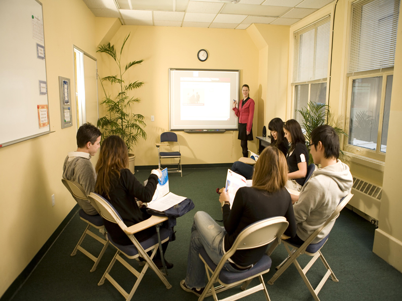 Clases para grupos reducidos - Estudiantes llegados de todo el mundo