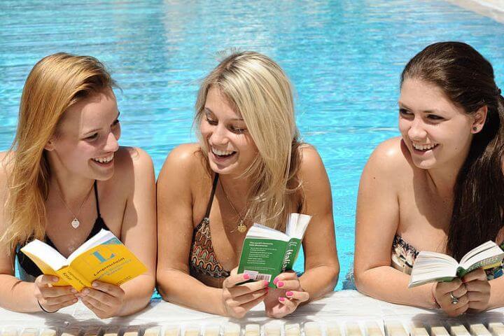 Aprende inglés y más - Aprende inglés mientras conoces a gente, haces excursiones, sales a tomar algo, recorres la isla...