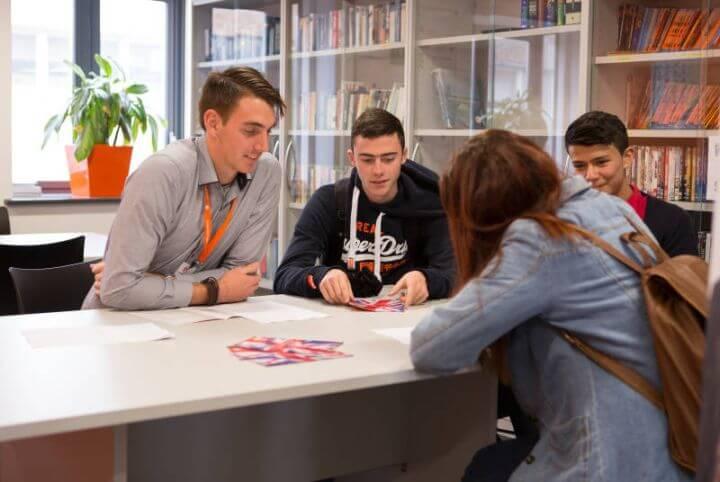 Prepara tu examen Cambridge - Cursos de preparación para el First o el Advance en nuestra escuela en Cambridge