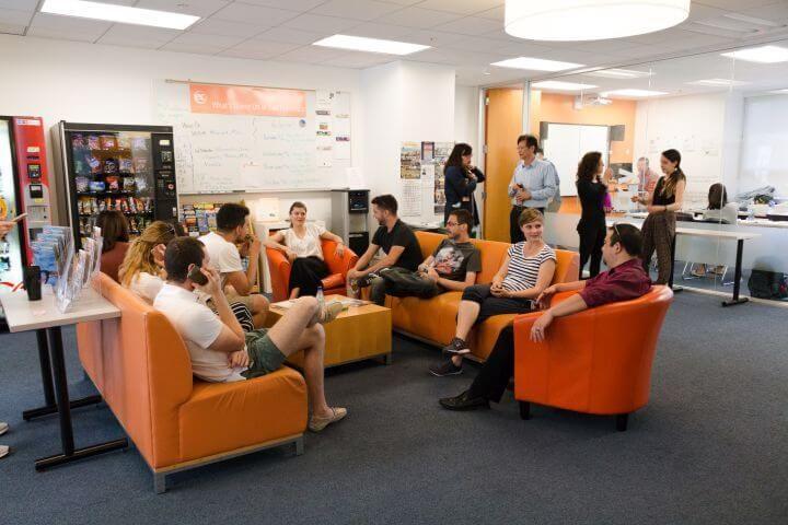 Sala lounge - Instalaciones para trabajar y para relajarse