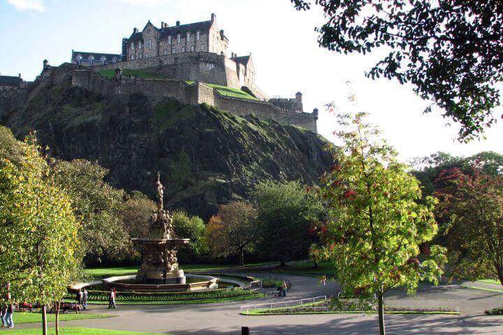 Visitar al castillo de Edimburgo - el castillo de Edimburgo es uno de los sitios más famosos de la ciudad
