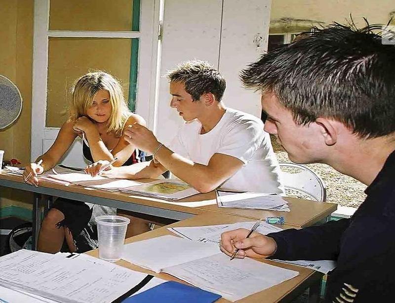 Clases de francés dinámicas - Con nuestros cursos de francés en Montpellier recibirás clases dinámicas e interactivas que harán que mejores la lengua al tiempo que te diviertes.