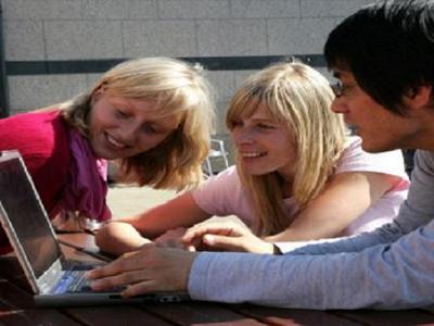 Conoce a amigos de todo el mundo - National University of Galway