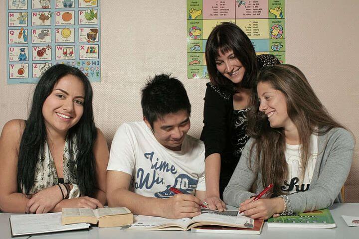 Nuevas amistades - Durante el curso de inglés encuentras a estudiantes de todo el mundo.