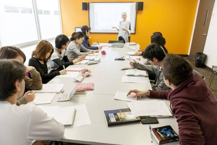 Cursos de inglés, francés o bilingües - Cursos de todos los niveles: desde básico hasta avanzado