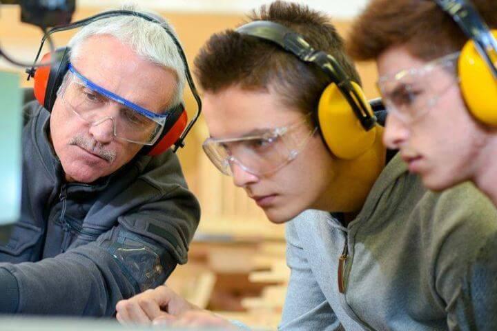 Estudiar tecnología en inglés para tu futuro profesional - Chichester