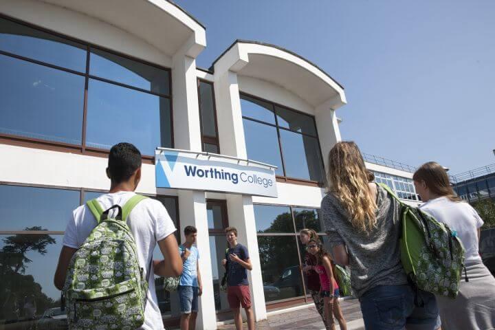 Worthing College con unas instalaciones excelentes - Ubicada a solo 20 minutos de Brighton en tren