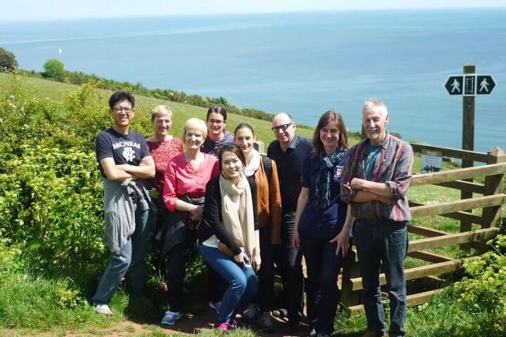 Programa sociocultural variado - Asesoramiento para viajes dentro y fuera de la escuela