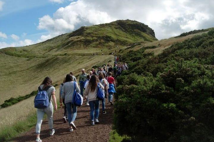 Disfrutar de los alrededores preciosos durante las excursiones divertidas - Salir por la  naturaleza de Escocia, famosa por su pureza y belleza
