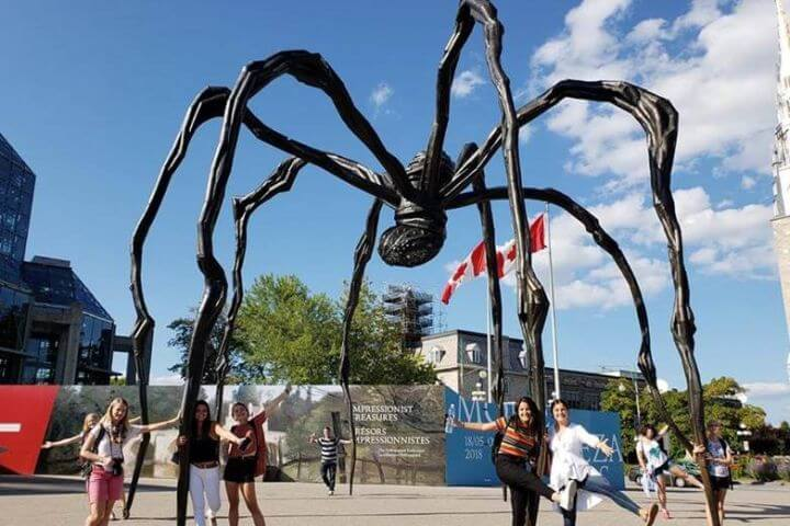 Louise Bourgeois Montreal Canadá - Curso de inglés y francés en Montreal.
