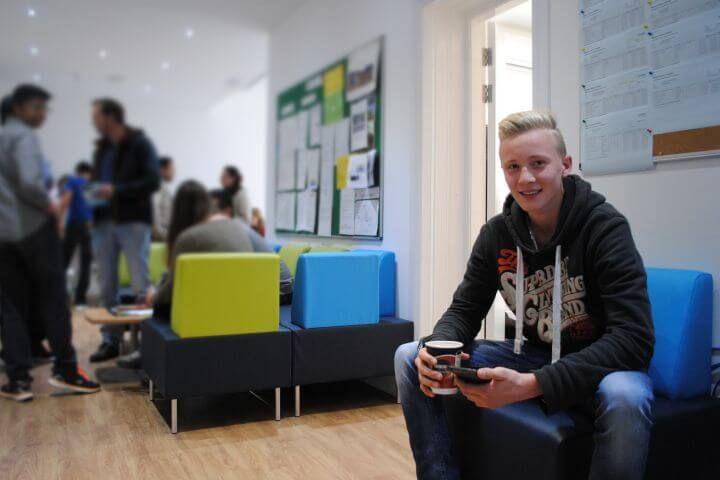 Aprende inglés en Escocia - Gracias a nuestra escuela socia en Glasgow podrás aprender inglés y visitar Escocia en tu tiempo libre.