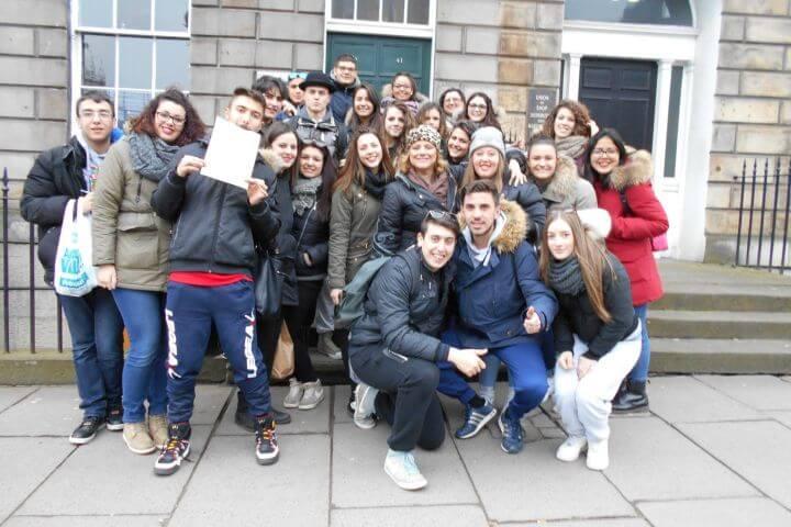 Estudiar con personas de varios países - Los estudiantes son de diferentes nacionalidades