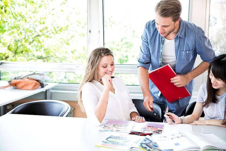 El profesor va a ser un apoyo para tu evolución - Cursos de alemán según tu nivel de idioma