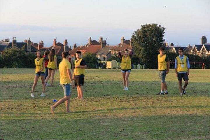Practicar deportes juntos - Actividades deportivas en la escuela