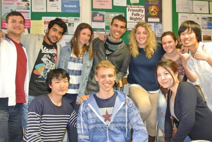Alumnos de todo el mundo - Mezcla de nacionalidades con el inglés como idioma vehicular