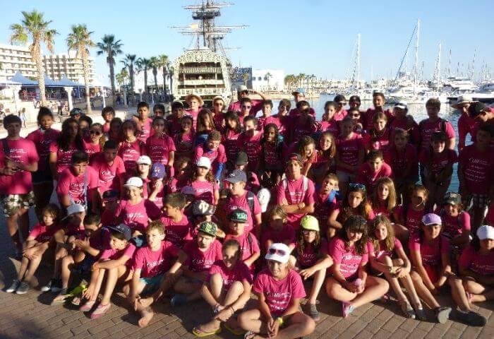 Campamento Internacional con jóvenes de diferentes países - Niños y jóvenes de diferentes nacionalidades