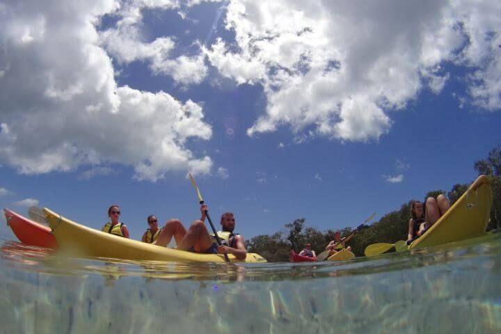 Programa sociocultural - Actividades organizadas por la escuela: kayaking, surf, hiking, excurisiones...
